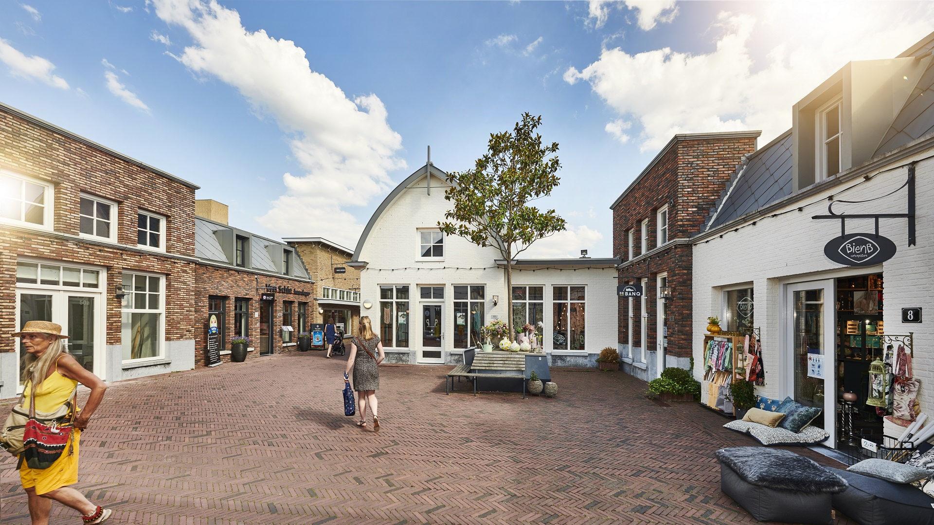 Deze afbeelding heeft een leeg alt-attribuut; de bestandsnaam is Retail-kantoren-De-Kwinkelier-Bilthoven-1-edited.jpg